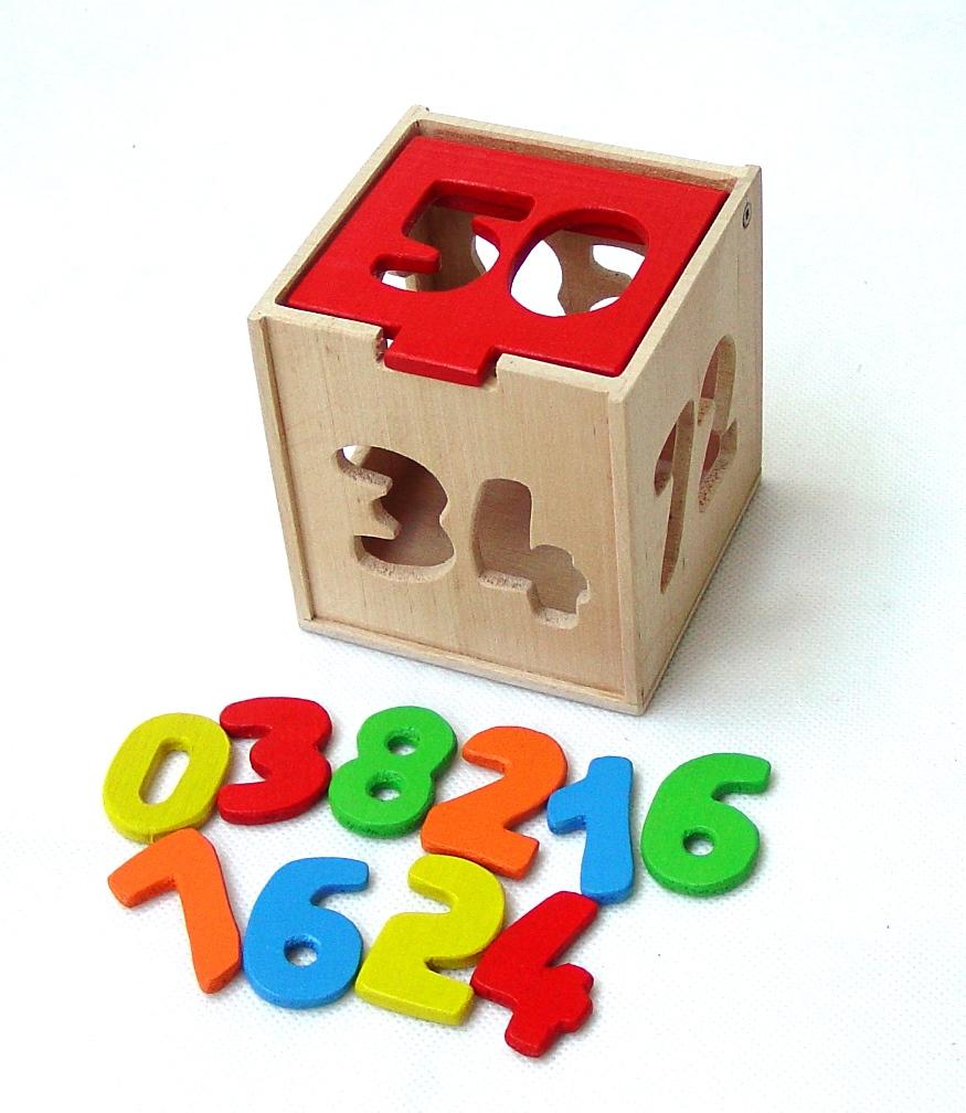 vyr_1269drevena-vkladaci-kostka-cisla