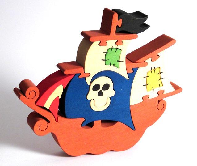 vyr_168drevene-puzzle-piratska-lod