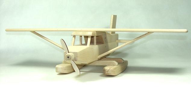 vyr_1743Drevene-letadlo-hydroplan-velke