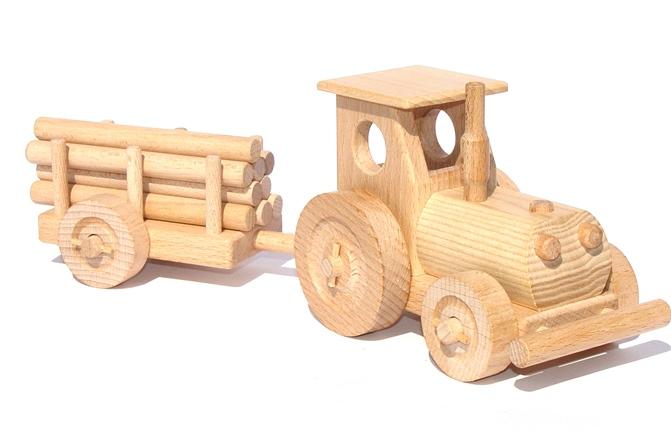 vyr_3dreveny-traktor