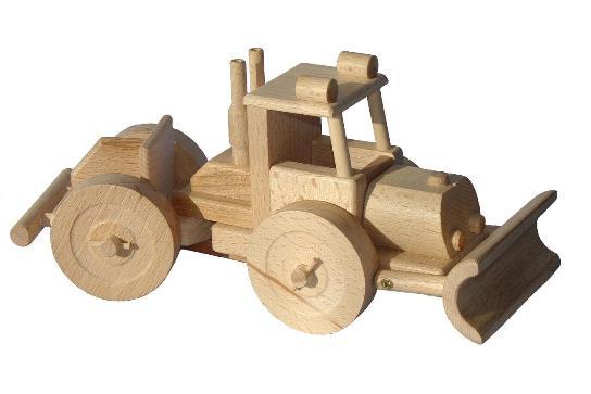 vyr_66dreveny-traktor-na-drevo