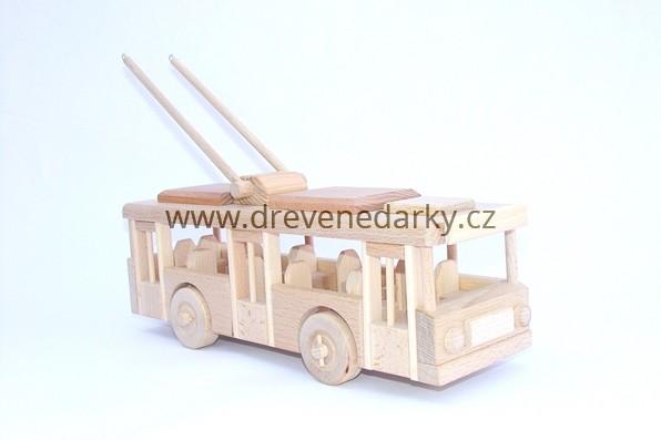 23244_1745__vyrp11_282dreveny-trolejbus