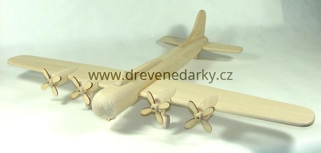 _vyrp11_1742Drevene-letadlo-bombarder-velke