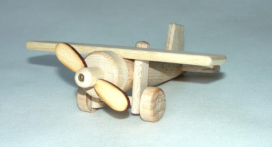 _vyrp11_58drevene-letadlo