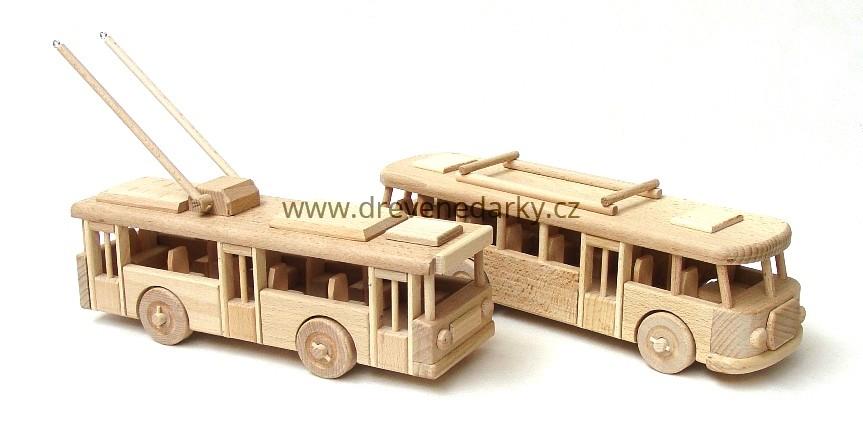 _vyrp12_1745Dreveny-autobus-a-trolebus-sada