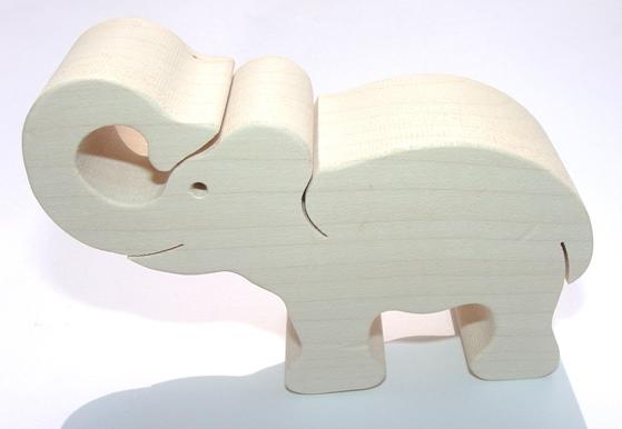 _vyrp12_750dreveny-slon