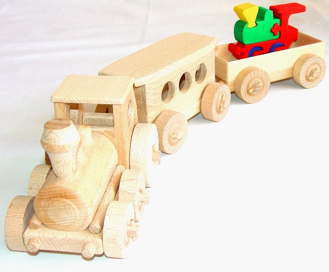 _vyrp13_1109Dreveny-vlak-vlacek-s-masinkou