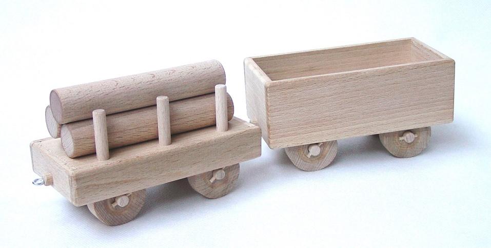 _vyrp13_1702drevene-velke-vagony-k-lokomotive