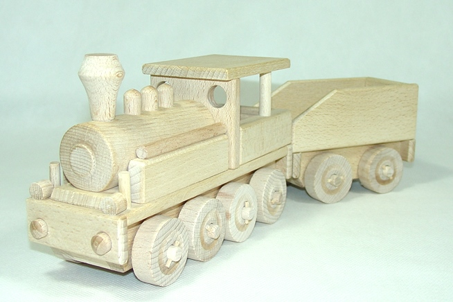 _vyrp13_43dreveny-vlak-velky