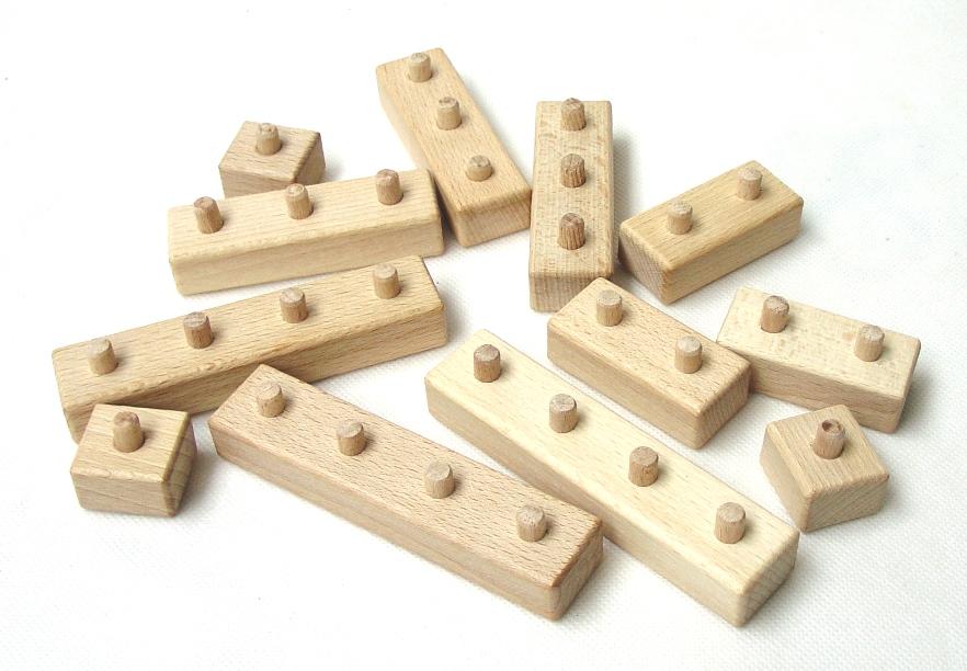 _vyrp15_1077Drevene-LEGO-kostky