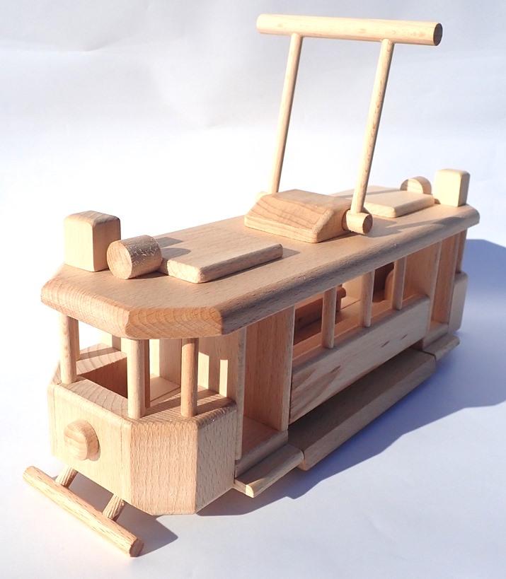 drevena-tramvaj-historicka