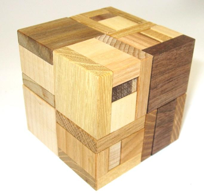 _vyr_1469Dreveny-hlavolam-hooked-cube