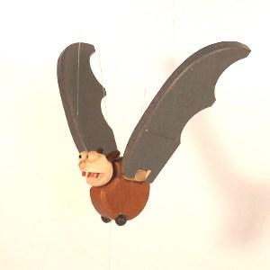 _vyr_1902dreveny-letavec-netopyr