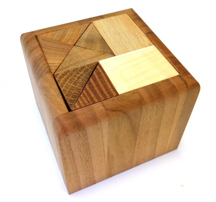 _vyr_1978Dreveny-hlavolam-cube-ac