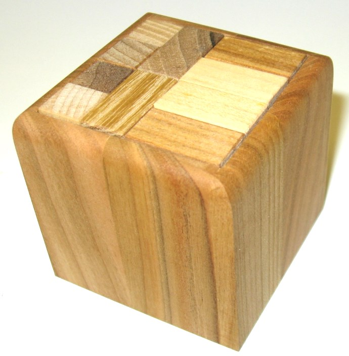 _vyr_1993dreveny-hlavolam-cube-plus