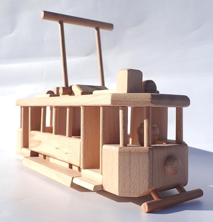 wooden-historical-tram
