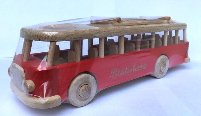 autobus-bratislava-cerveny