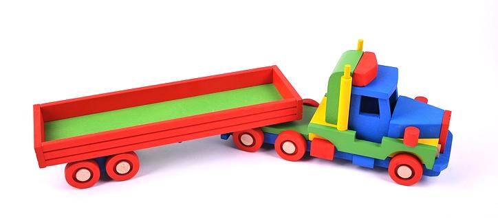 dreveny-kamion