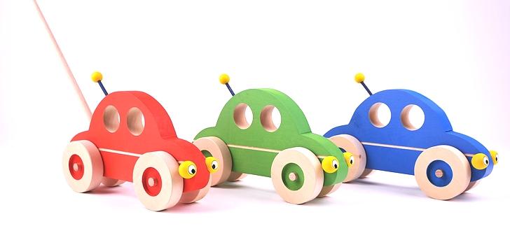 pushing-toys-wooden-car