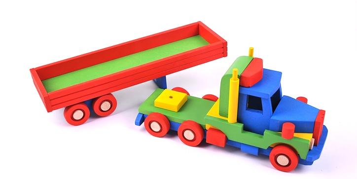 wooden-truck-LKW