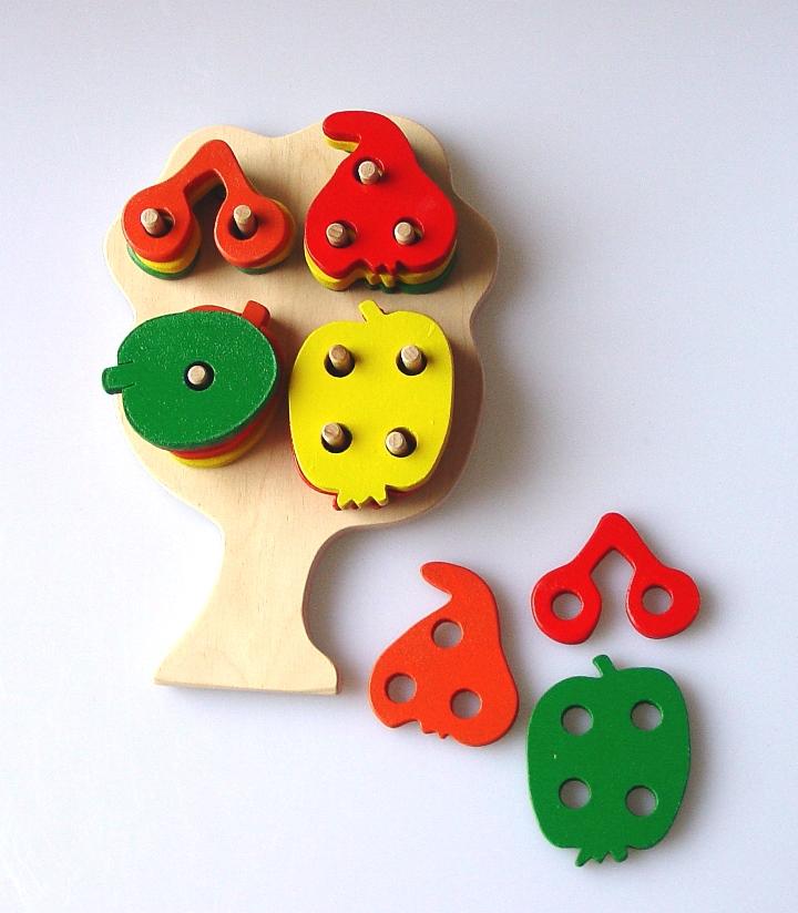 didaktische-spielzeug-baum-mit-fruchte