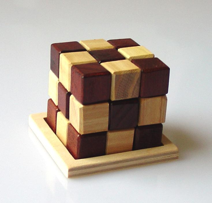 wooden-brainstorm-cube