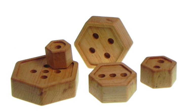 didaktische-spielzeug-pyramid-hexagon
